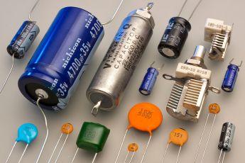 Capacitors_(7189597135)