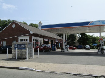 Hoeffner's Gas Station. The New York City Line is less than 500 feet from here.
